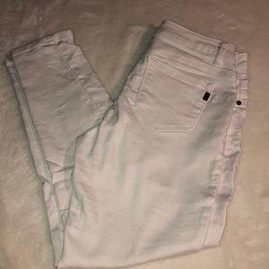 1822 white Jean